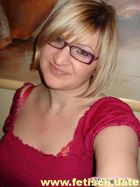 Frau, blonde kurze Haare, Schweinfurt, Single, Partnersuche, Plaudern, Sexspielzeuge