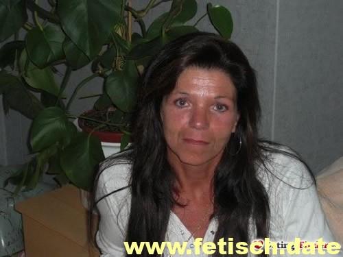 Frau, MILF, braune Haare, schlank, single, partnersuche