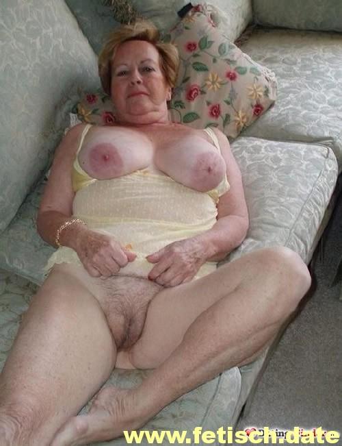 #Sex #Granny #Oma #Baden Baden #Titten #Brust #Nippel #Reif #Alt