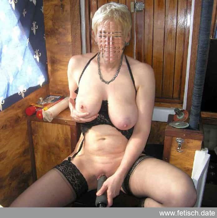 granny-sexkontakte, dildo, dessous, titten, nippel, nackt